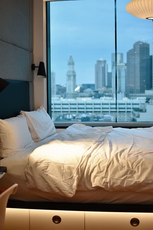 Cozy Hotel Room Big