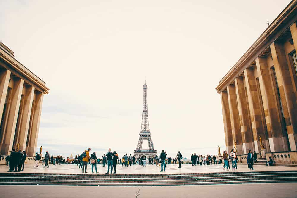 Eiffel Tower People Learn French
